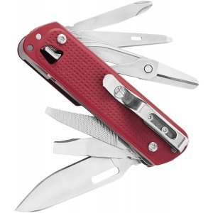 Leatherman Free T4 Multitool Crimson